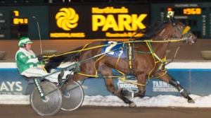 Cam Finish in the Northlands Filly Pace Elimination