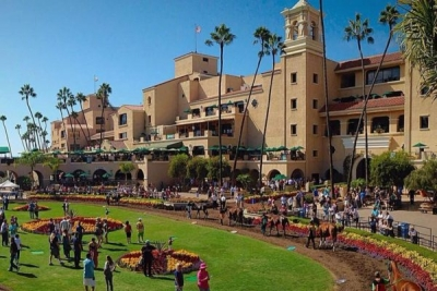 Escape Clause wins the Kathryn Crosby stake at Del Mar